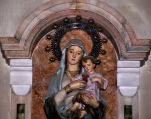 La imagen de Nuestra Señora del Sagrado Corazón llegó con las primeras madres españolas que vinieron a fundar a Argentina